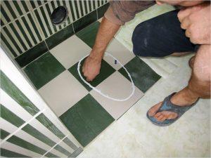 Как положить плитку в туалете своими руками?