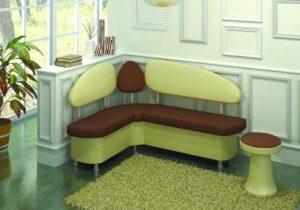 Разновидности и характеристика узких диванов для кухни