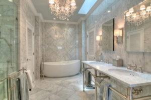 Мраморная мозаика: роскошное оформление интерьера