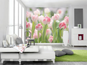 Выбираем обои с цветами для гостиной