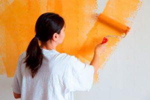 Тонкости покраски стен водоэмульсионной краской