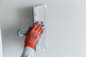 Как правильно шпаклевать стены: тонкости процесса