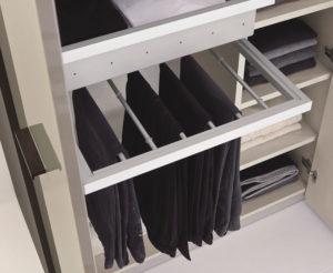 Выдвижные брючницы для шкафа
