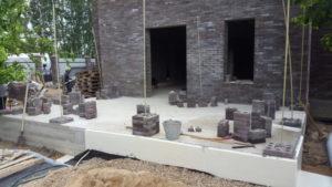 Преимущества и недостатки строительства дома из кирпича лего