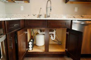 Особенности выбора фильтра для воды на кухню