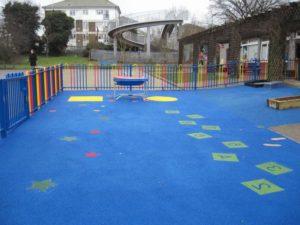 Покрытия для детских площадок: виды и тонкости выбора