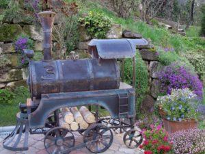 Мангал в форме паровоза: оригинальная конструкция на вашем участке