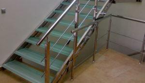 Особенности лестниц из нержавеющей стали