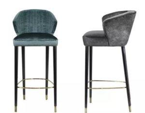 Барные стулья со спинкой в интерьере