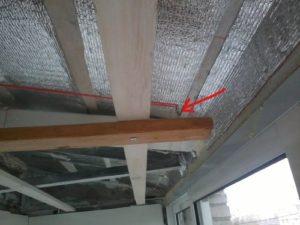 Как и из чего сделать потолки на балконе?