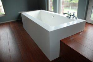 Ванны из искусственного камня: технические характеристики и особенности выбора