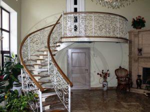 Металлические перила в дизайне интерьера дома