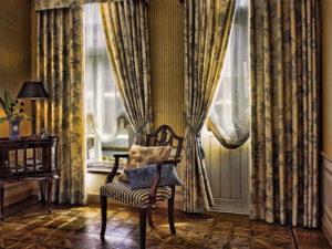 Выбираем шторы на два окна