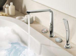 Виды и особенности устройства врезных смесителей для акриловых ванн