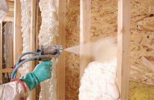 Особенности использования пены для утепления стен