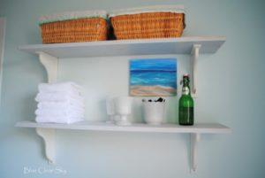 Деревянные полки для ванной комнаты: особенности и дизайн