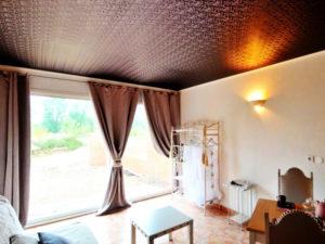 Тканевые натяжные потолки: тонкости оформления интерьера