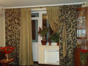Подбираем шторы в комнату с балконной дверью