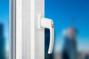 Ручки с замком для пластиковых окон: как сделать конструкцию безопаснее?