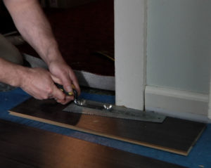 Что делать сначала – устанавливать двери или укладывать ламинат?