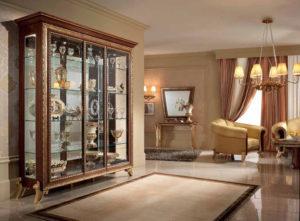 Выбираем витрину для посуды в гостиной