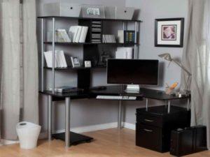Как выбрать угловой компьютерный стол со стеллажом?