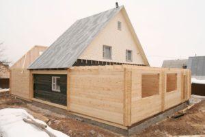 Правила возведения пристройки к дому из бруса
