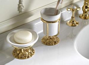 Аксессуары для ванной комнаты из бронзы: виды и идеи дизайна