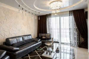 Шторы для зала в современном стиле