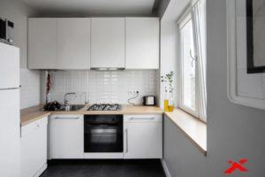 Идеи дизайна маленькой кухни с холодильником в хрущевке