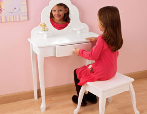 Все тонкости выбора детского туалетного столика