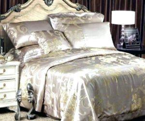 Атласное постельное белье: плюсы и минусы, советы по выбору
