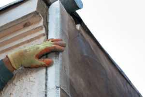 Тонкости процесса наружного утепления углов дома
