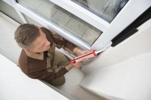 Особенности использования герметика для стекла