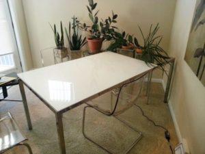 Стеклянные столы Ikea в интерьере