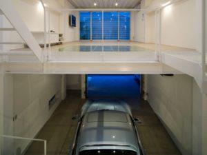 Двухэтажный гараж: идеи оформления и планировки