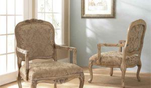 Классические стулья в интерьере