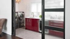 Раздвижные стеклянные двери: плюсы и минусы