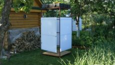 Как построить летний душ с подогревом на дачном участке?