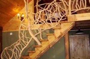 Как изготовить оригинальные деревянные перила для лестницы?