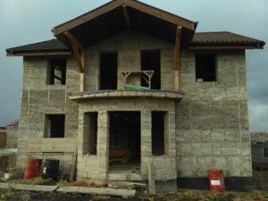 Монолитный арболит: что это такое и как построить из него дом?