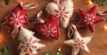 Как сделать новогодние украшения из фетра своими руками?