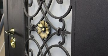 Особенности кованых дверей
