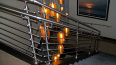 Особенности хромированных перил и ограждений для лестниц