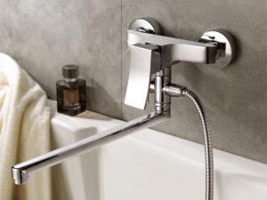 Как подобрать смеситель  с длинным изливом и душем для ванны
