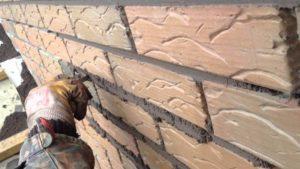 Затирка швов декоративного кирпича – все тонкости процедуры