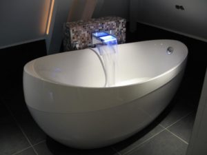 Квариловые ванны: особенности и преимущества