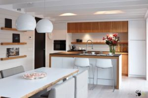 Варианты оформления кухни-гостиной с островом
