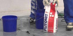 Использование клея Plitonit B